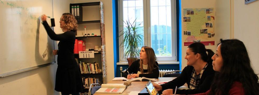 mar sprachschule berlin spanischkurs mar sprachschule berlin spanisch lernen. Black Bedroom Furniture Sets. Home Design Ideas